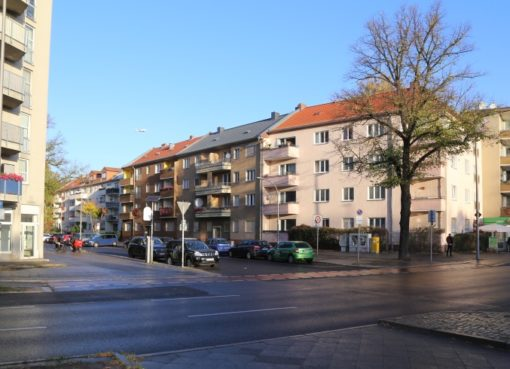 Straße ohne Straßenschilder