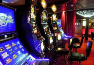 Spielautomaten in einer Spielhalle