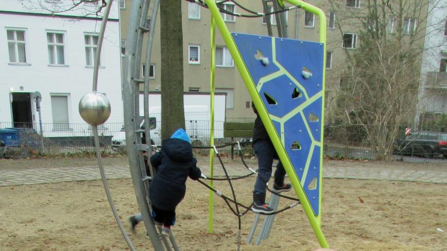 Kleinkinder-Spielplatz Koeltzepark