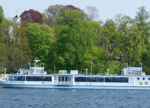 F10 Fahrgastschiff