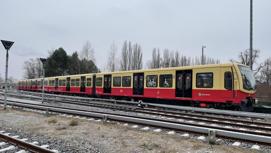S-Bahn BR 481 im modernen Design