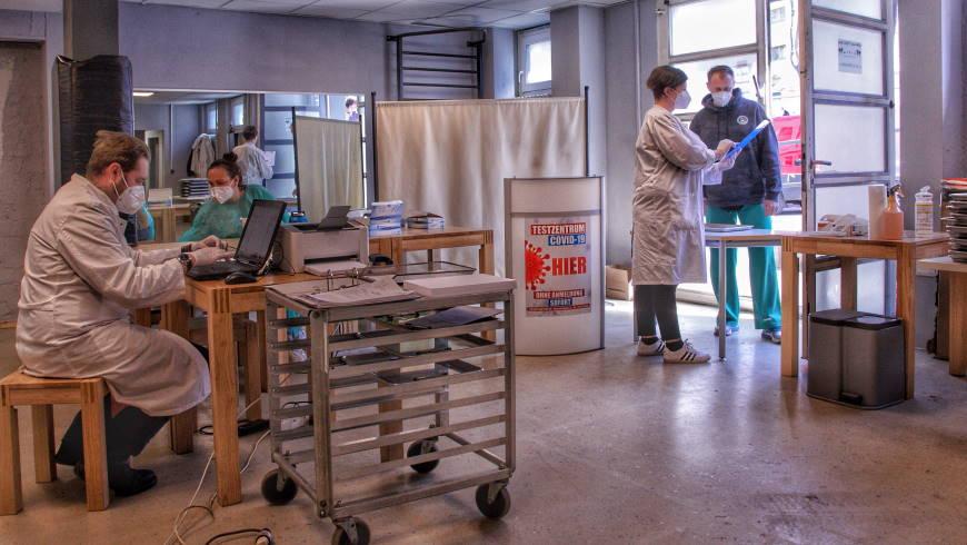 Blick in das Corona-Testzentrum am Siemensdamm 43/44 - Foto: Silvio Hagemann