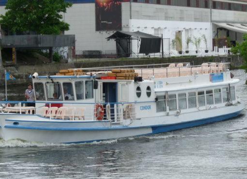 Fahrgastschiff Condor